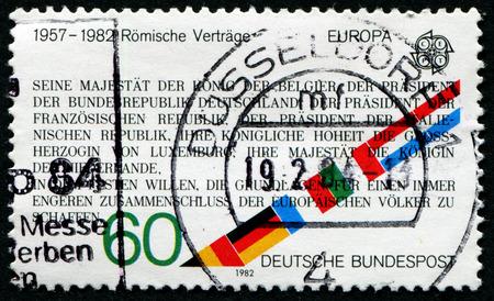tratados: Alemania-alrededor de 1982: Sello impreso por Alemania, muestra los tratados de Roma, alrededor del a�o 1982.