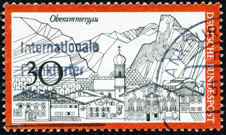 bundes: GERMANY - CIRCA 1970: A stamp printed in Germany from the Tourism issue shows Oberammergau, circa 1970.