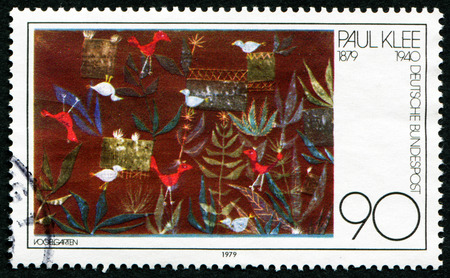stempeln: GERMANY - CIRCA 1979: A stamp printed in Germany issued for the birth centenary of painter Paul Klee (1879-1940) shows Bird Garden painting, circa 1979.