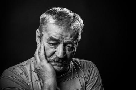 zeer trieste oude man Stockfoto