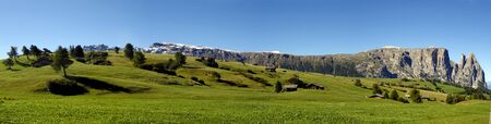 A GREAT PANORAMIC VIEW OF ITALIAN ALPS