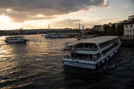 The bridge over the Golden Horn is photographed. Galata bridge and Eminonu beach are visible in the future. Sajtókép