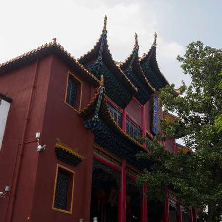 wuhan: Chinas hubei wuhan, yuan temple