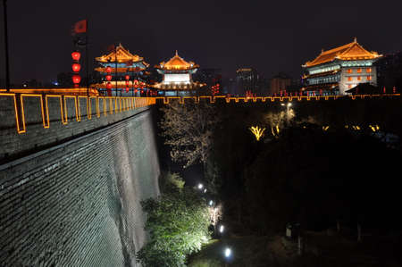The city wall of xi an at night is a famous scenic spot of ancient architecture. 版權商用圖片