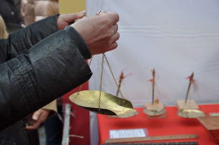 an ancient weighing tool 版權商用圖片