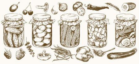 Gläser mit eingelegtem Gemüse und Früchten. Standard-Bild - 97986840