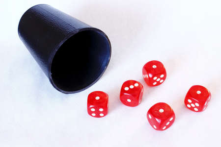 sic: Dice game 5 - Aces poker