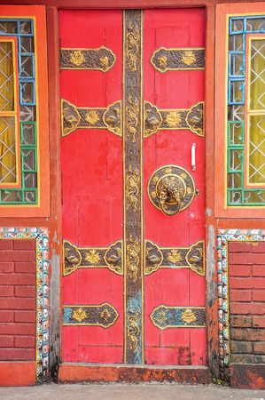 door with pattern chinese style in nepal