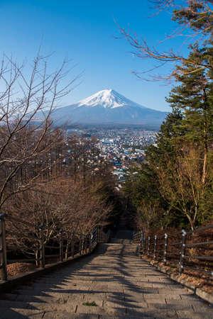 Mt. Fuji at Chureito Pagoda with stair down way Imagens