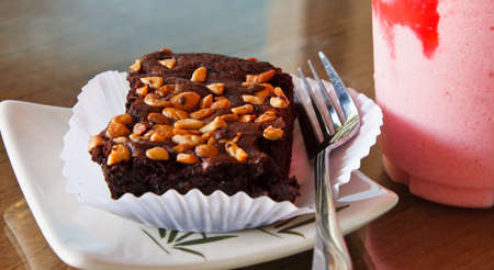 chocolate brownie cake with almond