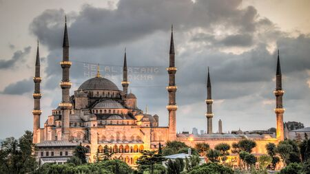 camii: View of the Blue Mosque (Sultan Ahmet Camii),  in Sultanahmet at dusk, overlooking the Bosphorus, Istanbul, Turkey, Europe