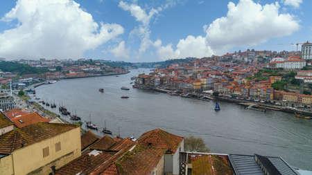 Porto, Portugal - November 2019: Panoramic view of Old Porto Oporto city and Ribeira over Douro river from Vila Nova de Gaia, Portugal 新聞圖片