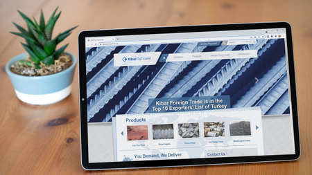 Istanbul, Turkey - July 2021: Illustrative Editorial screenshot of Turkish Kibar Holding Dis Ticaret website homepage. Kibar Holding Dis Ticaret logo visible on a tablet screen. Publikacyjne
