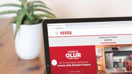 Istanbul, Turkey - July 2021: Illustrative Editorial screenshot of Turkish Vestel website homepage. Vestel logo visible on a digital screen close-up Publikacyjne