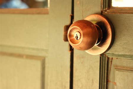 door knob: A door of an old door knob