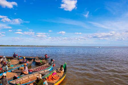 tonle sap: Cambodias Tonle Sap Editorial