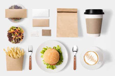 Concept van mockup hamburger en koffie set geïsoleerd op een witte achtergrond. Stockfoto