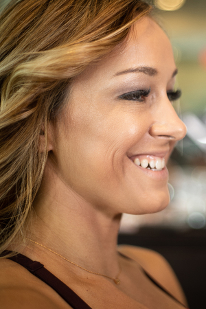 Young Beautiful Female Smiling Imagens