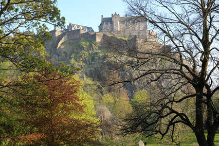 princes street: EDINBURGH, SCOTLAND: View of Edinburgh Castle and Princes Street Gardens with spring colors Stock Photo