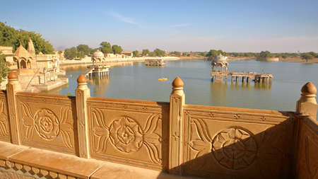 General view of Gadi Sagar lake (with chhatris) from a decorated balcony, Jaisalmer, Rajasthan, India Stock fotó