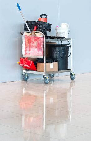pushcart: clean tools on pushcart