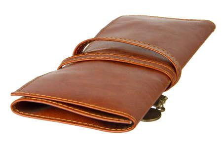 imitation leather: stretta di un sacchetto della penna realizzato in similpelle isolato su sfondo bianco