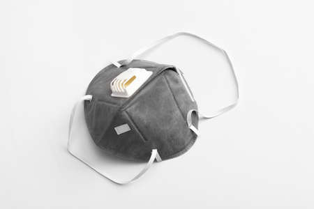 Anti virus mask with breathing valve. Banque d'images - 140325122