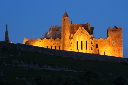 county tipperary: Abbey of Cashel lighted at night . Tipperary , Ireland