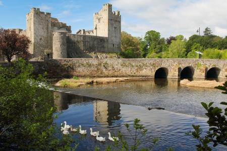 Iers kasteel van Cahir in Tipperary County. Ochtendlicht