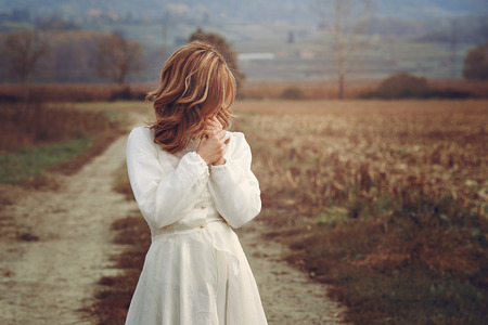 femme romantique: Romantic woman with vintage bride dress . Purity and innocence Banque d'images
