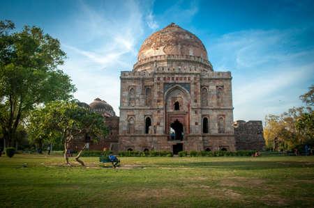 tomb: Old Tomb