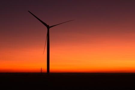 windfarm: Parque e�lico y cielo con polvo volc�nico