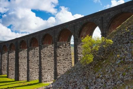 yorkshire dales: Famoso viaducto de Ribblehead en Yorkshire Dales National Park Foto de archivo