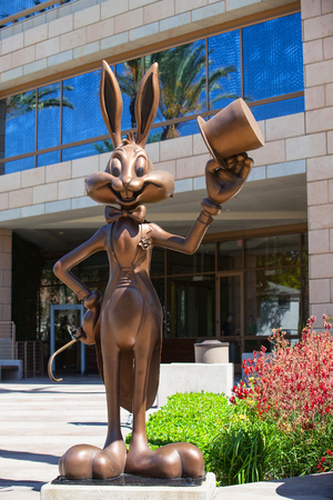 burbank: Bugs Bunny greeting visitors at the entrance to Warner Bros  offices in Burbank,Los Angeles Editorial