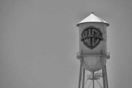 Historická vodní věž Warner Bros. ve studiu v Burbank v Kalifornii, Los Angeles, červenec 1,2011