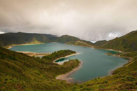 caldera: Caldera Lago di Fogo - lake on Sao Miguel Island, Azores, Portugal