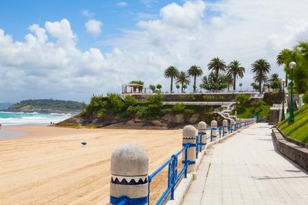 El Sardinero beach promenade, Santander, Cantabria, Spain 写真素材