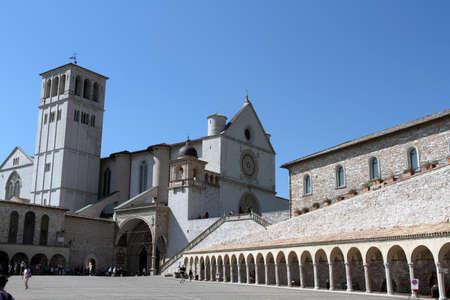 assisi: Assisi Editorial