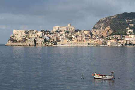 Gaeta, Italy - August 20, 2017: Panoramic view of the city of Gaeta from the sea Editoriali