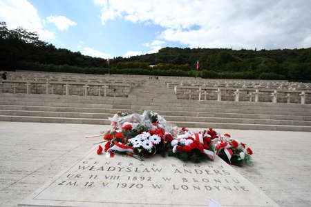 Cassino, Italy - May 18, 2011: The grave of General Anders in the Polish war military cemetery in Montecassino Editoriali
