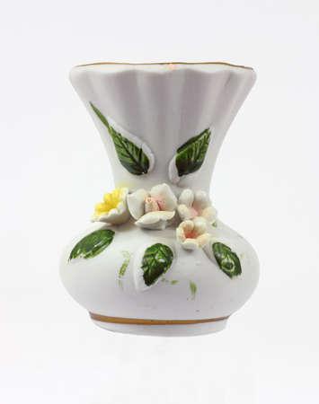 moulded: Un miniatura cer�mica floral vaso con flores moldeados.