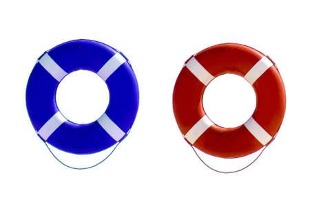 fondo azul: salvavidas flotando sobre fondo blanco, rojo y azul