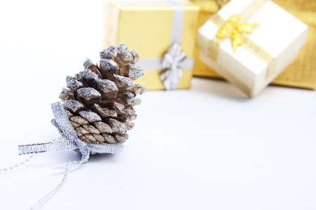 conos para la tarjeta de felicitación de la Navidad