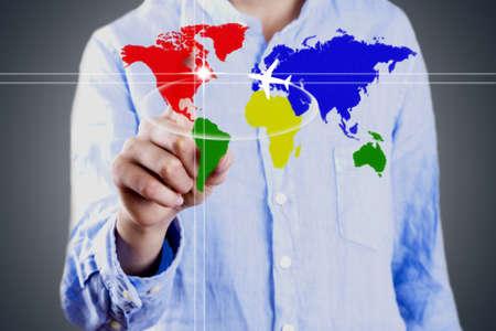 zakenman met kaart van de wereld, het bedrijfsleven