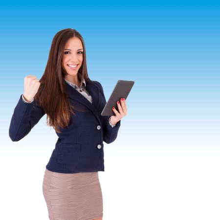 competitividad: mujer de negocios con gesto de �xito