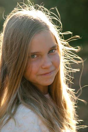 iluminado a contraluz: retroiluminado Retrato de niña