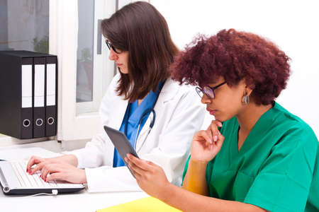 glases: doctors working in the office Stock Photo