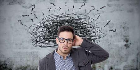 Konzept des Menschen mit Problemen und Komplikationen gestresst Standard-Bild