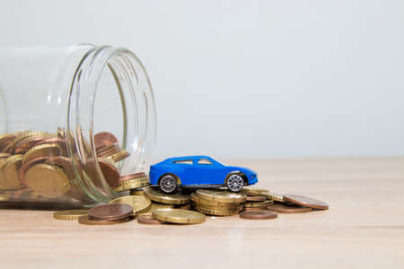 concept of savings and buying a car Foto de archivo - 132122852