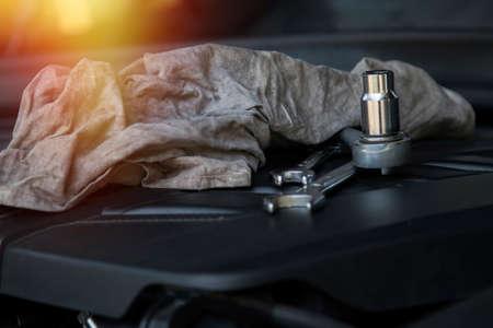 tools on the car engine in the workshop 版權商用圖片